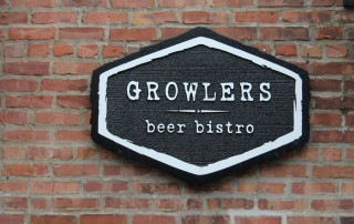 Growlers sign