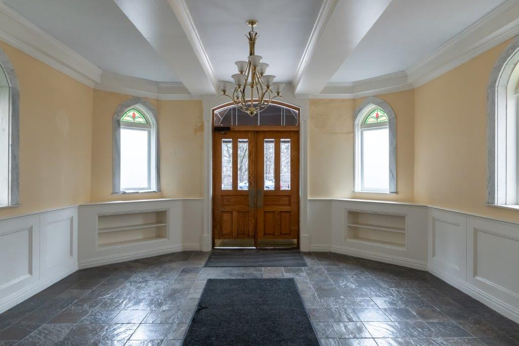 entryway with molding